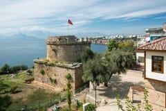 Vieille tour de château à Antalya, Kaleichi Photographie stock libre de droits