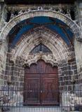 Vieille trappe d'église Image libre de droits