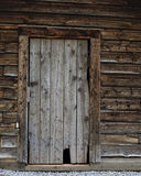Vieille trappe de cabine de logarithme naturel Photographie stock