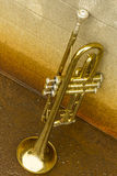 Vieille trompette photos stock