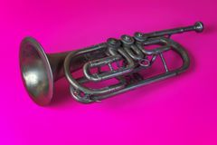 Vieille trompette argent?e photos stock