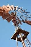 Vieille turbine de vent en stationnement olympique Photo stock
