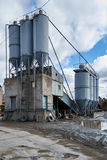 Vieille usine pour la production de ciment Photo stock