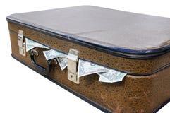 Vieille valise complètement d'argent photographie stock