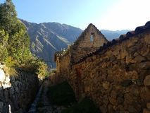 Vieille ville d'Ollantaytambo en octobre image stock