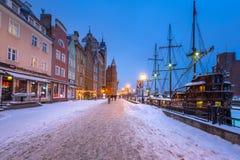 Vieille ville de Danzig à la rivière de Motlawa en hiver, Pologne Image libre de droits