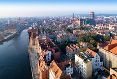 Vieille ville de Danzig, Pologne Horizon aérien au lever de soleil Images libres de droits