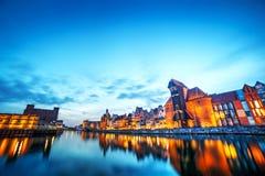 Vieille ville de Danzig, Pologne, rivière de Motlawa Grue de Zuraw Photographie stock