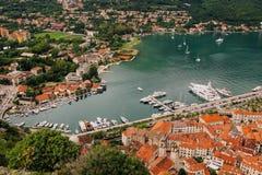 Vieille ville de Kotor une vue de primevère farineuse Photographie stock libre de droits