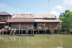 Vieille ville de l'eau chez Amphawa Images libres de droits