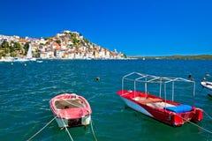 Vieille ville de l'UNESCO de vue de côte de Sibenik Images stock
