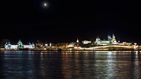Vieille ville de nuit images stock