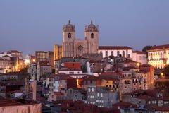 Vieille ville de Porto au crépuscule photographie stock