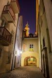 Vieille ville de Varsovie par nuit en Pologne Images stock