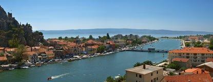 Vieille ville en Croatie - Omis Photographie stock