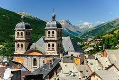 Vieille ville et église collégiale, Briancon, France Photographie stock libre de droits