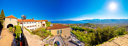 Vieille ville Kastav et vue panoramique de baie de Kvarner photos stock