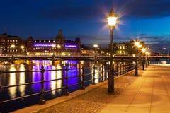 Vieille ville la nuit à Stockholm, Suède Photo libre de droits