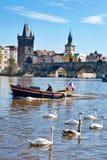 Vieille ville, rivière de Vltava, Prague (l'UNESCO), République Tchèque Photographie stock libre de droits