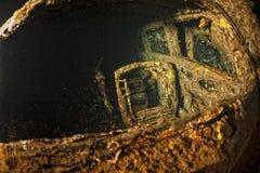 Vieille voiture à l'intérieur II de prise d'épave de bateau de guerre mondiale Images libres de droits