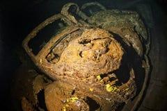 Vieille voiture à l'intérieur II de prise d'épave de bateau de guerre mondiale Photos libres de droits