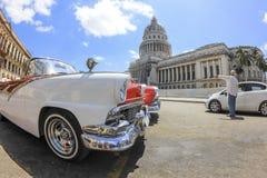 Vieille voiture américaine classique à La Havane Image libre de droits