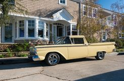 Vieille voiture américaine rénovée de roadster en île de Balboa Images libres de droits