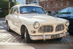 Vieille voiture B12 blanche de Volvo Amazone 121 Photos stock