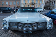 Vieille voiture Cadillac Eldorado de Helsinki, Finlande Images libres de droits