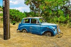 Vieille voiture d'épave Photographie stock libre de droits