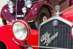 Vieille voiture d'Alfa Romeo au salon automobile de vintage Images libres de droits