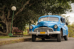 Vieille voiture sur la rue en Havana Cuba Photos stock