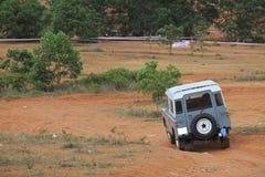 Vieille voiture tous terrains de SUV images stock