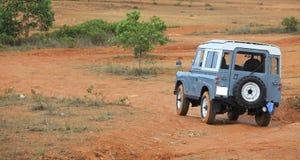 Vieille voiture tous terrains de SUV photos libres de droits