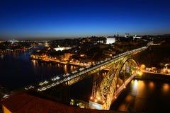 Vieille vue de nuit de ville de Porto, Porto, Portugal Photo libre de droits