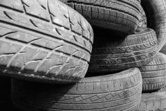 Vieille vue de pneus photographie stock