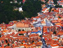 Vieille vue de ville de Brasov avec la place centrale et la cathédrale, la Transylvanie, Roumanie photos stock