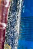Vieilles épines colorées de livre, vue de côté, plan rapproché Photo stock