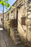 Vieilles étapes de pierres de la maison antique Photos libres de droits