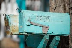 Vieilles boîtes aux lettres bleues Image libre de droits