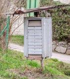 Vieilles boîtes aux lettres en métal de vintage pour des lettres Images stock