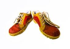 Vieilles bottes sales rouges Photos libres de droits