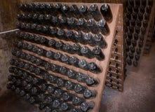 Vieilles bouteilles de champagne Photo stock