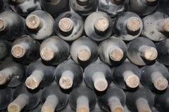 Vieilles bouteilles de vigne Photographie stock