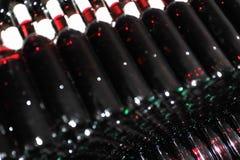 Vieilles bouteilles de vin rouge Photographie stock libre de droits