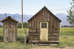 Vieilles carlingue et toilette en Californie photographie stock libre de droits