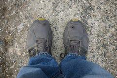 Vieilles chaussures habillées de sport Photographie stock libre de droits