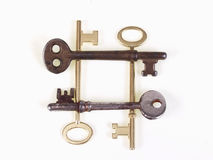 Vieilles clés dans un grand dos Photo stock