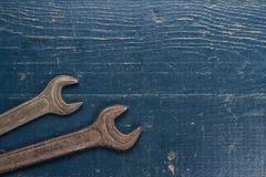 Vieilles clés de vis rouillées Image stock