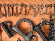 Vieilles clés rouillées métalliques Image libre de droits